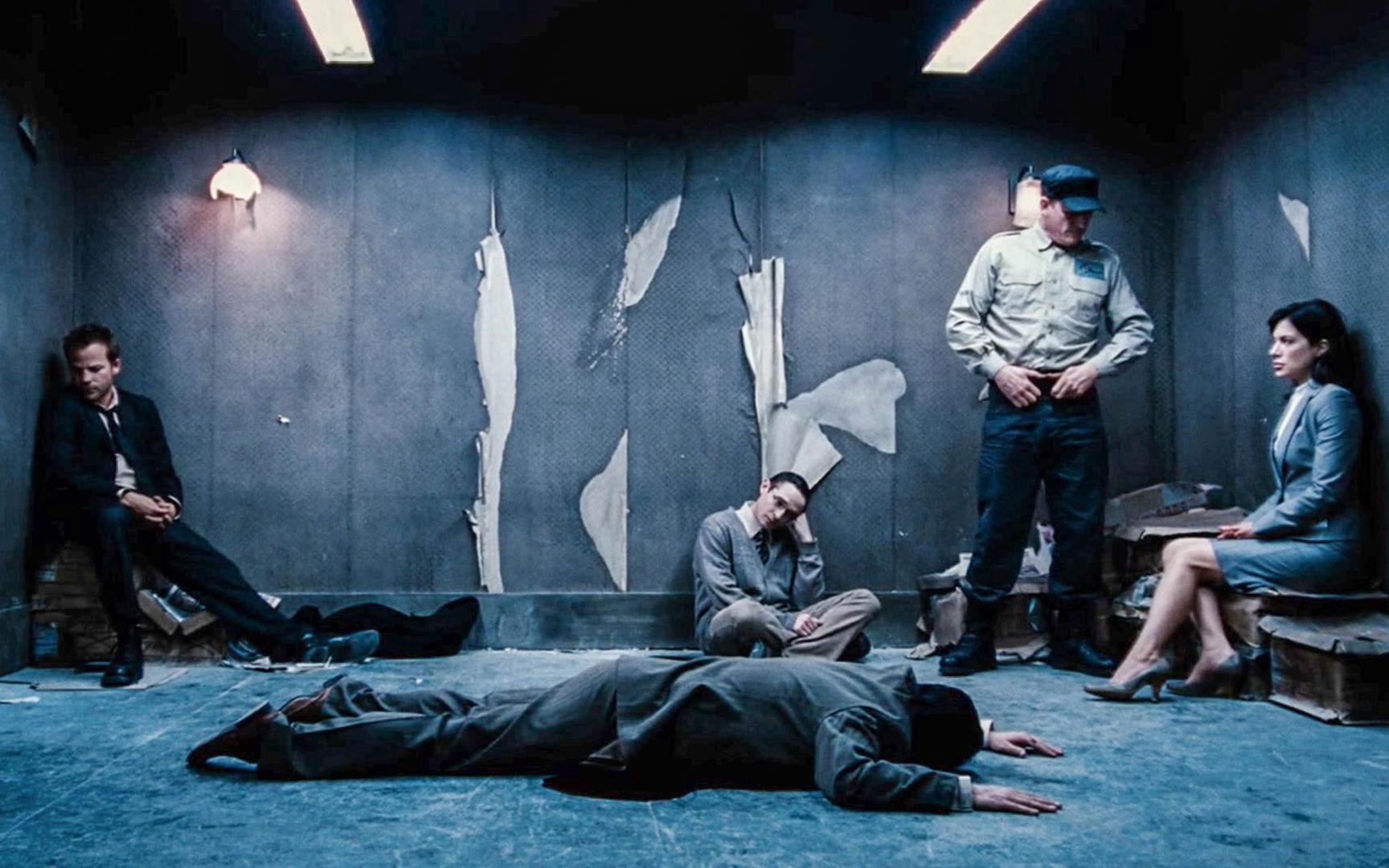 10人被困大厦诡异楼层,每打开这边一个房间,绝望就会多一分