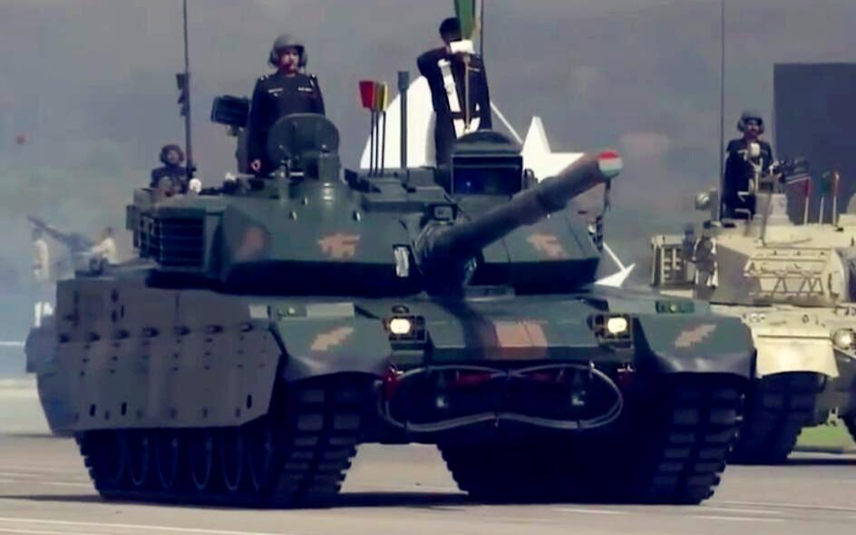 首次亮相!中国VT-4坦克现身巴基斯坦阅兵,印度人要难受了