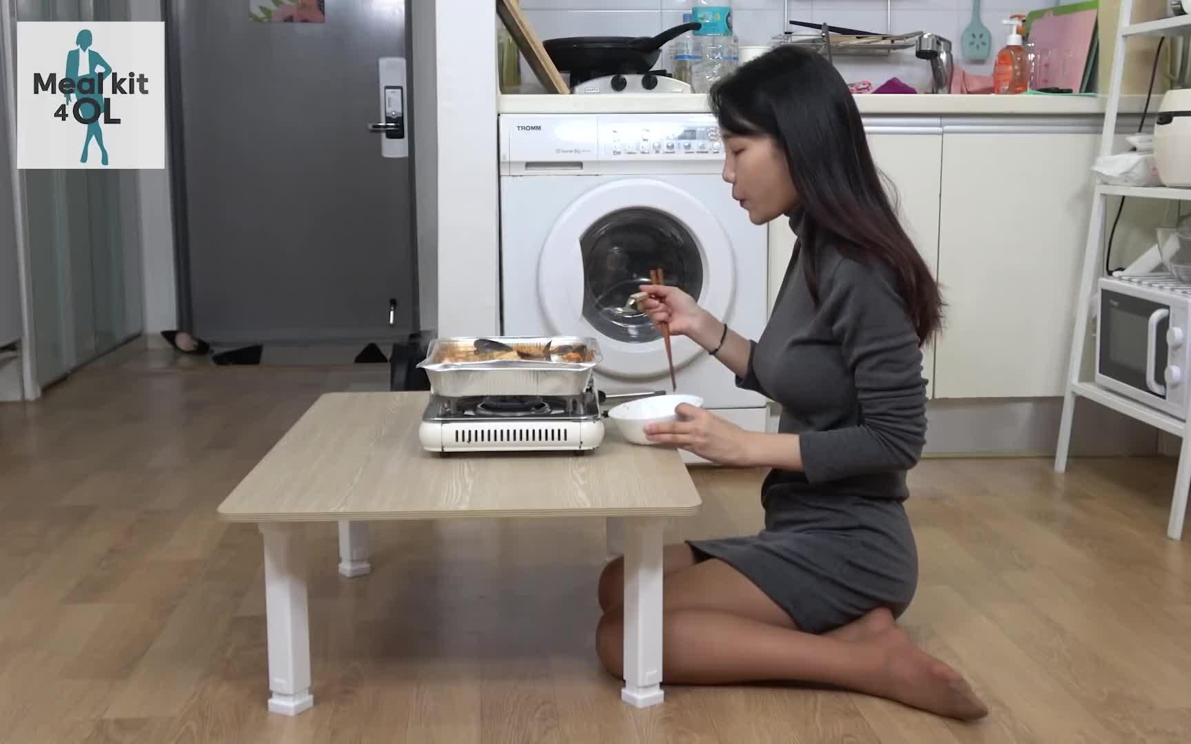 【Mealkit 4 OL】速食广告 -和OL秀珍一起唱歌喝烧酒!!