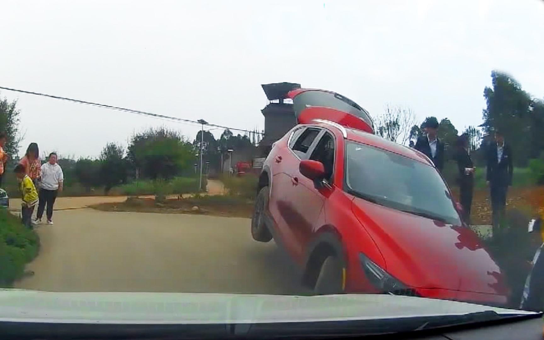 2021中国交通事故合集(0410第256期)