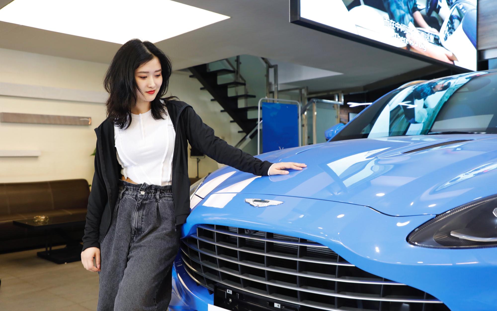 阿斯顿马丁DBX卖到200多万,宾利添越和奔驰G63,能同意吗?