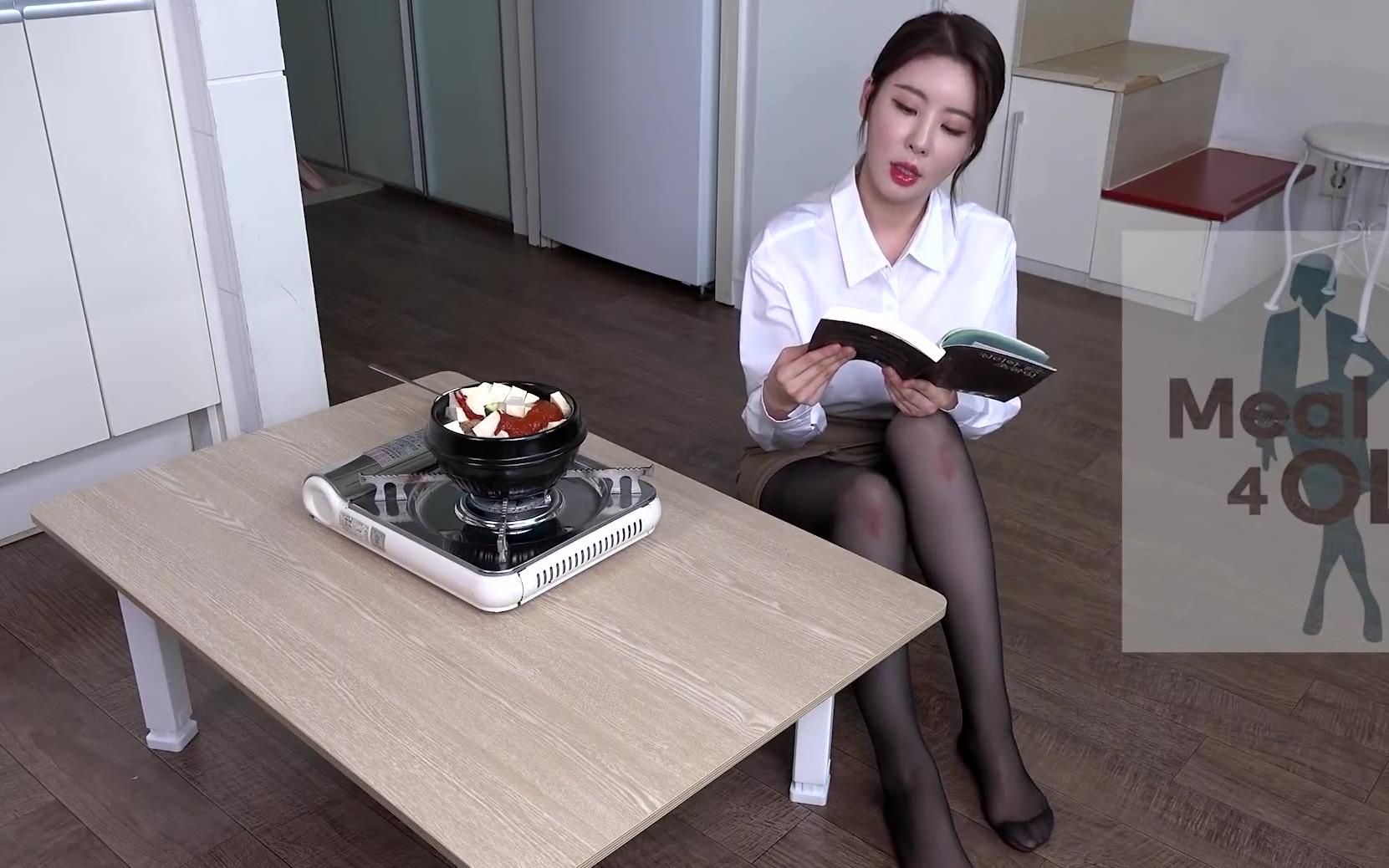 黑丝OL的下班生活S5~清鞠酱一人餐,和小姐姐一起吃饭啦