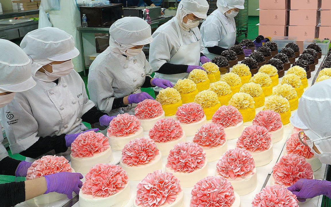 优雅的美丽! 蛋糕厂的康乃馨花蛋糕 食品工厂