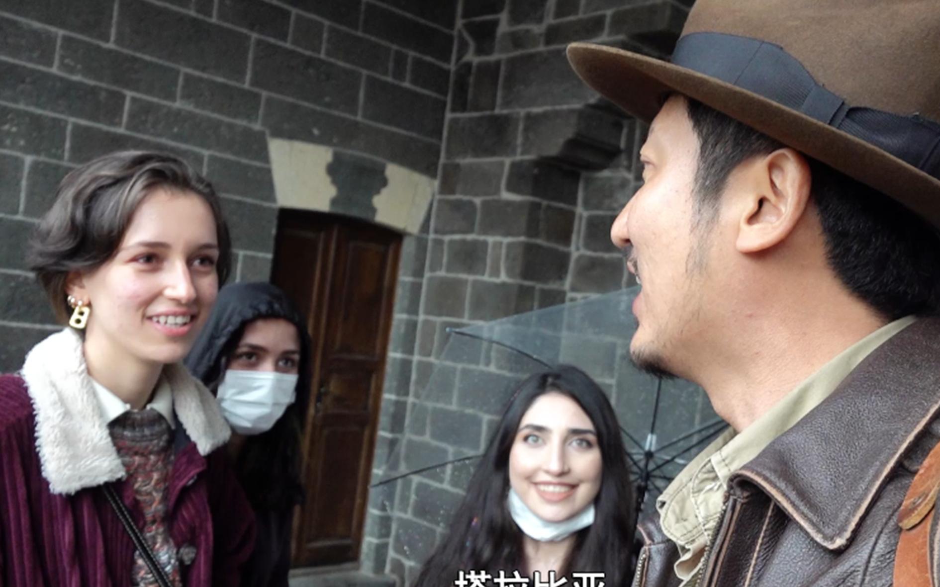 探访库尔德核心城市迪亚巴克尔,旅游惨淡游客稀少,当地女孩看到中国人主动来搭讪