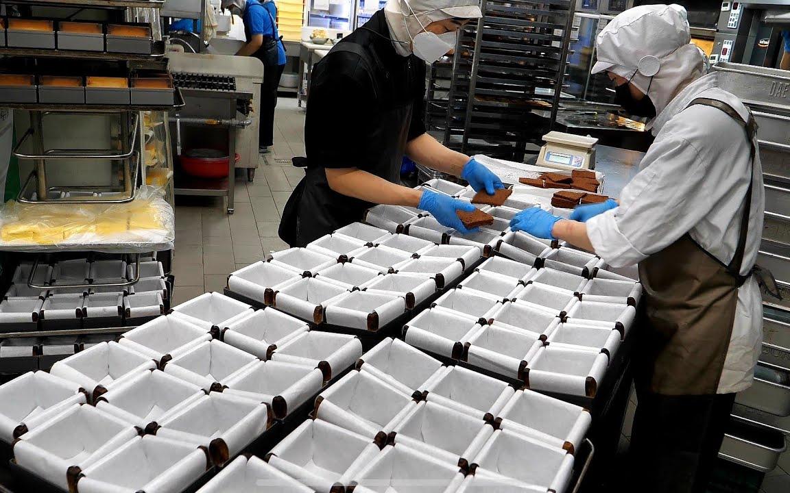 制作巧克力芝士蛋奶酥蛋糕 - 韩国街边小吃