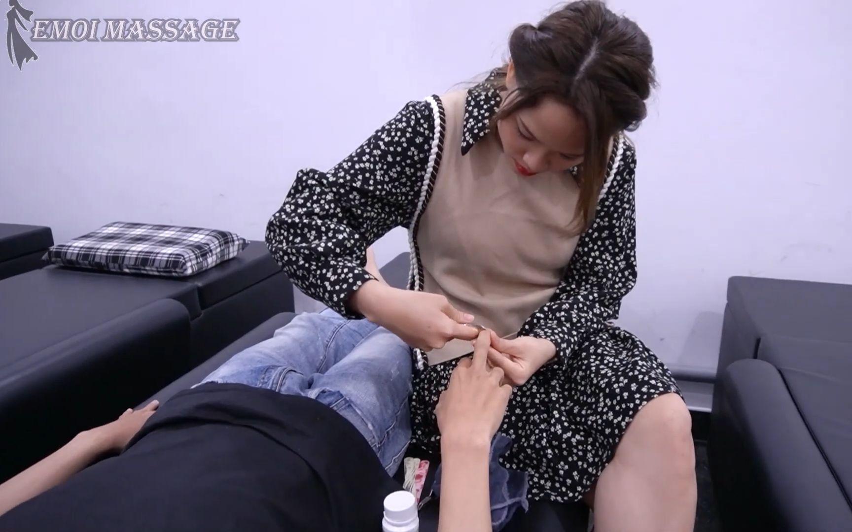 【越南理发馆】美女认真的剪指甲真让人很安心