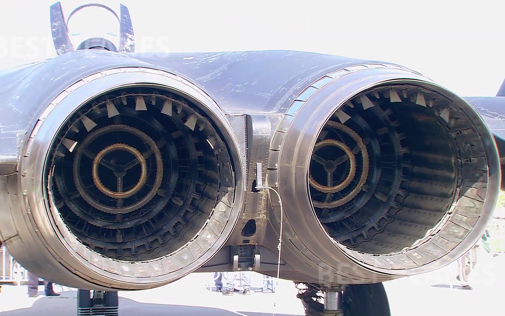 """【航展】梦幻的前掠翼战机-苏-47""""金雕"""""""
