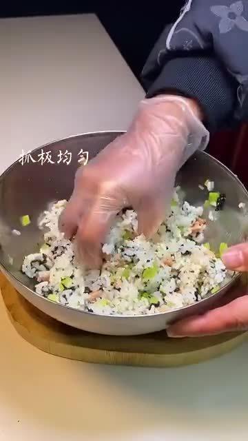 剩米饭这样做,专治不爱吃饭的大小朋友