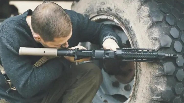 保镖: 一部顶级枪战片, 退伍特种兵战斗力惊人, 疯狂怒战不死不休
